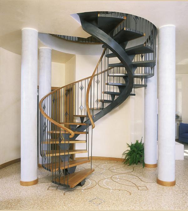 Scale elicoidali in legno e ferro portofino lineascale - Scale interne in ferro ...